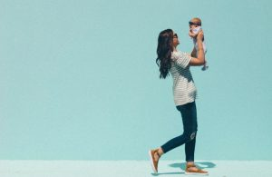 7 Tips for Postpartum Clothes That Won't Make You Look Pregnant
