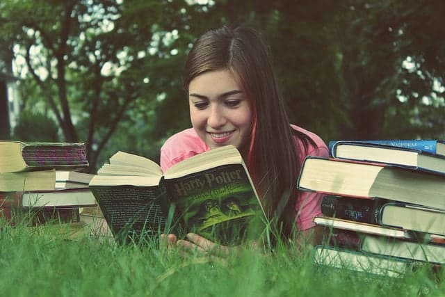 How to Develop a Reading Habit: Read What You Want