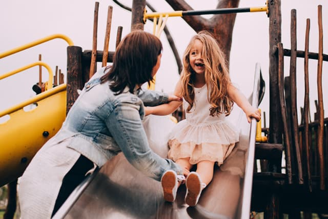 Fun mother-daughter date ideas: Visit the park or a local splash pad